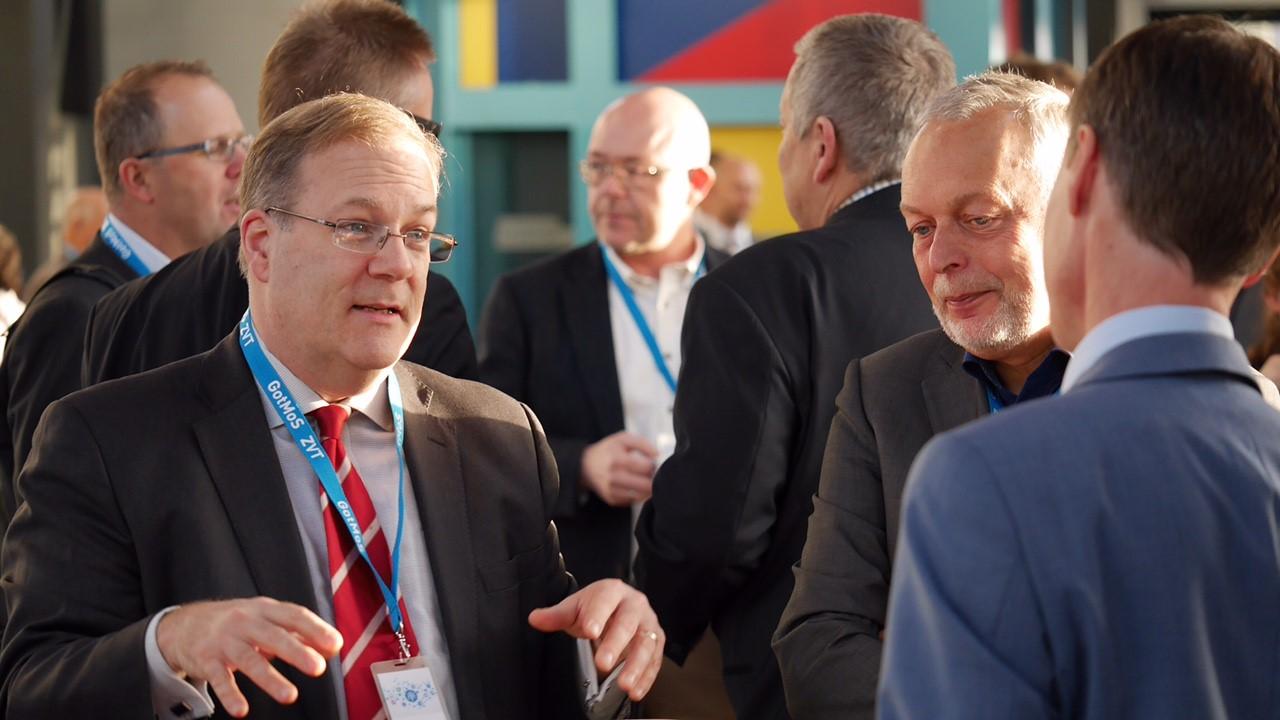 Till vä. Paul Topping , Transport Canada, deltagare i GotMos konferensen